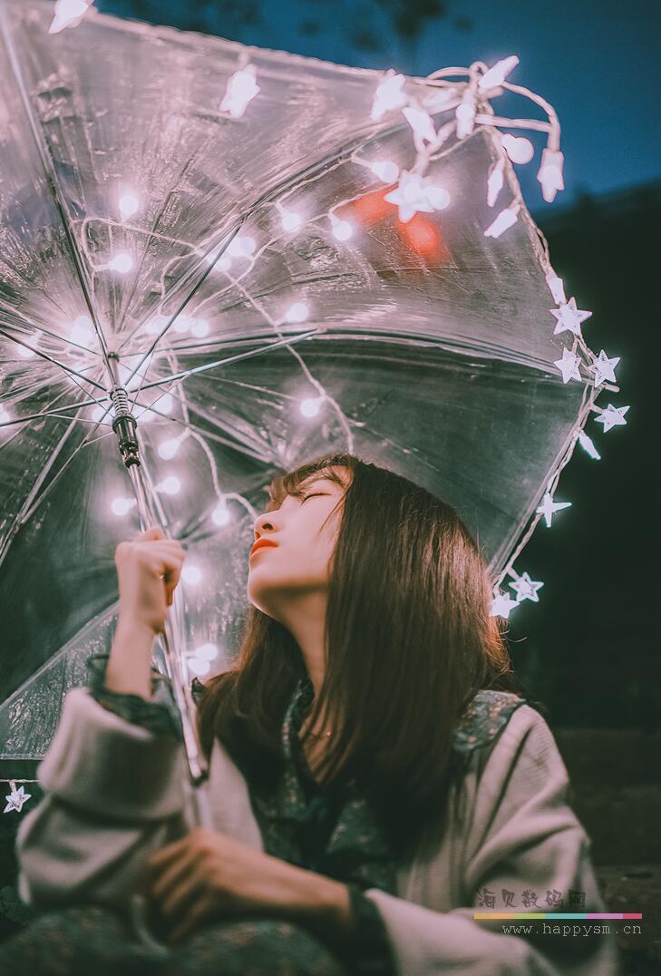 打雨伞的女孩